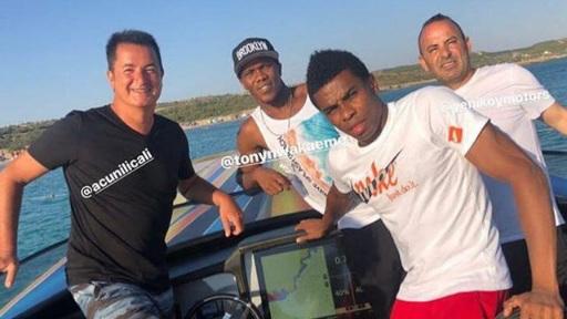 Acun Ilıcalı, Trabzonsporlu futbolcuyla tatilde buluşunca…