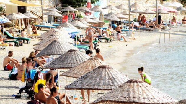 Bodrum'da yaz bitmedi, tatil uzadı