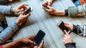 Depresyona giden yolda 'sosyal medya' etkisi
